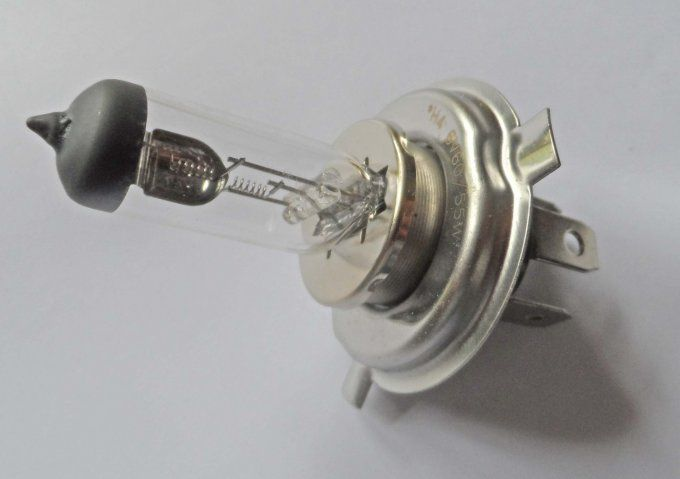 Ampoule de phare H4, 6 volts - 55/60 Watts
